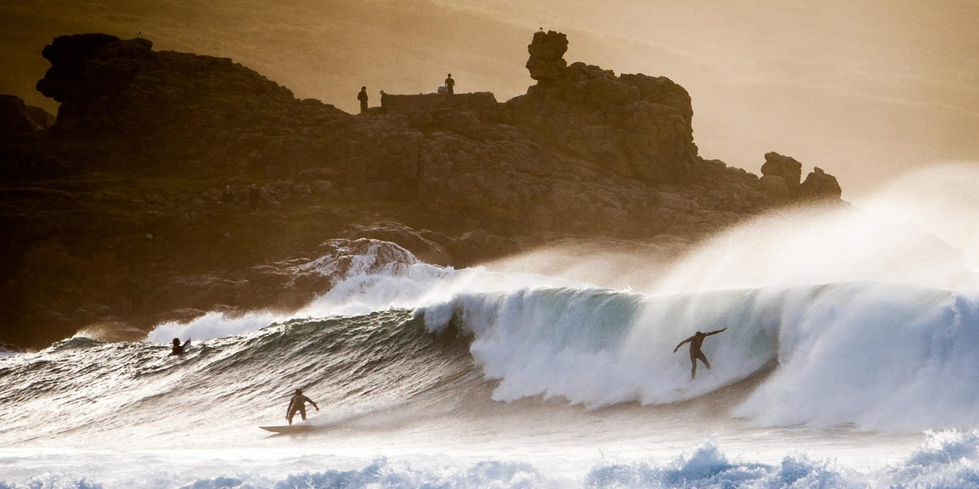 Spectacular Surfing